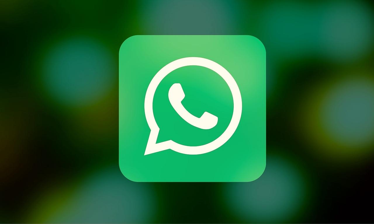 WhatsApp Widget Gets Dark Mode Support